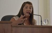 Vereadora Cida comemora a chegada do Castra Móvel na cidade e alerta Governo de pendências de obras públicas